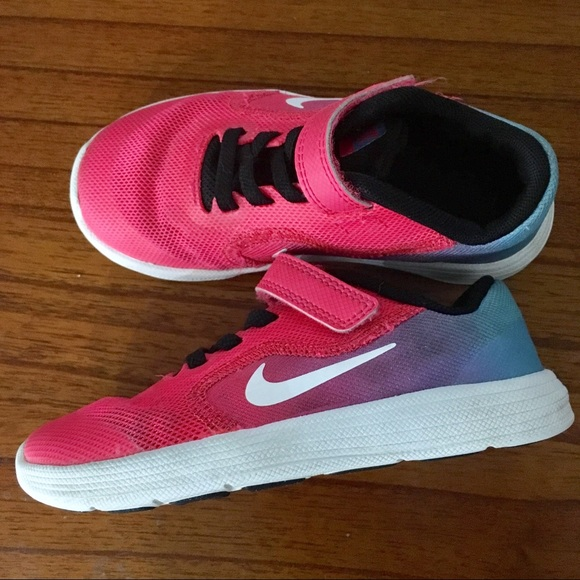 buy popular c4954 6c031 Nike Revolution 3 Blue Pink Ombre Colored Girls 9C.  M 5ac6fa31d39ca21b44d9c804